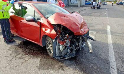 Violento impatto a Capriolo: distrutte due auto