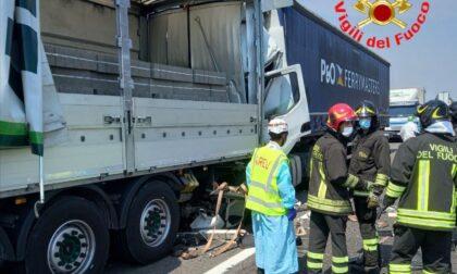 Tragico incidente sulla A4: morto un uomo di 50 anni. Autostrada chiusa da Seriate a Ospitaletto