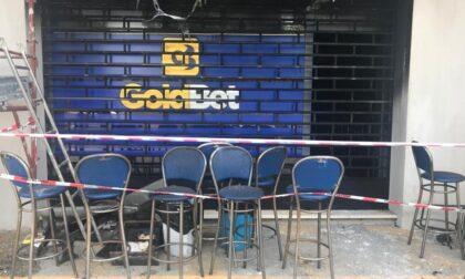 Incendio nella notte, devastata la Goldbet