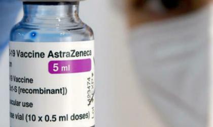 Ok al richiamo con AstraZeneca per chi rifiuta seconda dose con Pfizer o Moderna