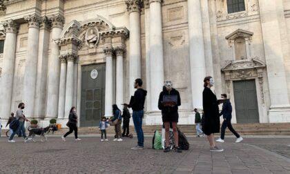 Stasera il Cubo della Verità di AV in piazza Malvezzi