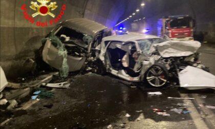 Terribile incidente in galleria: due morti e sei feriti