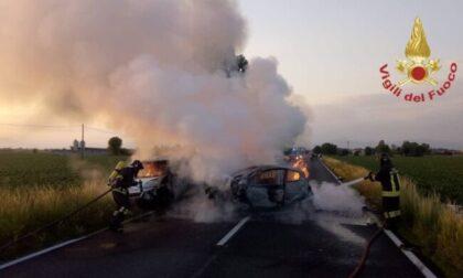 Grave incidente e auto in fiamme sulla Soncinese, decolla l'elisoccorso