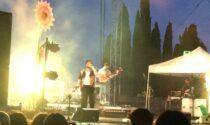 Frah Quintale fa ballare il pubblico del Vittoriale scacciando le nubi