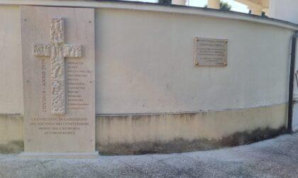 Dopo la trafugazione, è ritornata in paese la croce per i morti Covid