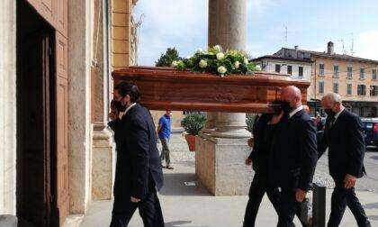 Lacrime e commozione per Giuseppe Sandrini