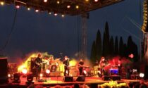 The Zen Circus, felice unione tra musica e sorriso al Vittoriale degli Italiani