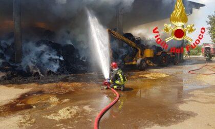 Rogo in cascina: intervengono i Vigili del fuoco