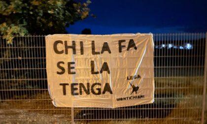 """""""Chi la fa se la tenga"""": lo slogan della Lega locale contro il depuratore fa la sua comparsa su un paio di striscioni"""