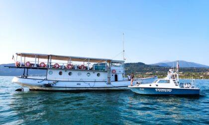 Nave da diporto in avaria con 56 persone a bordo