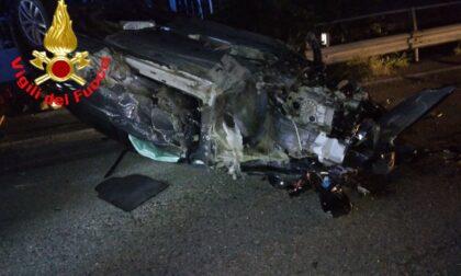 """Tremendo frontale tra tre veicoli nella notte a Flero: quattro feriti """"miracolati"""""""