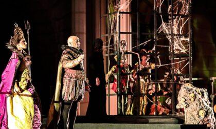 I costumi di Giampaolo Tirelli in scena sul palco dell'Orfeo