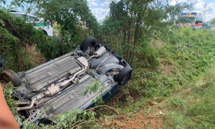 Auto finisce fuori strada a Rezzato, ferito un 35enne
