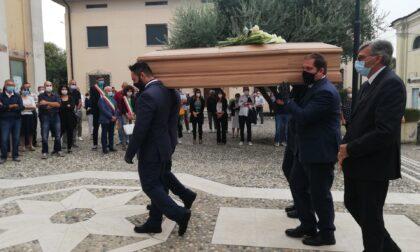 Tanta emozione per l'ultimo saluto ad Alessandra Ferrari