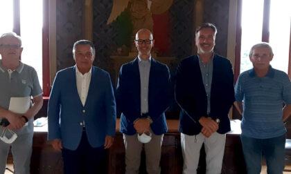 Taglio del nastro al castello con la mostra in omaggio ai grandi artisti di Palazzolo
