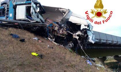 Incidente tra mezzi pesanti sulla BreBeMi, intervengono i Vigili del Fuoco