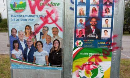 Cartelloni elettorali imbrattati, scatta la denuncia
