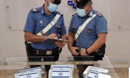 Cocaina nel marsupio e a casa: arrestato albanese