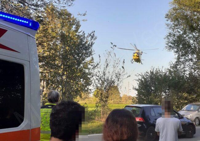 San Gervasio Bresciano: elisoccorso Brescia in decollo dal luogo dell'incidente verso l'ospedale