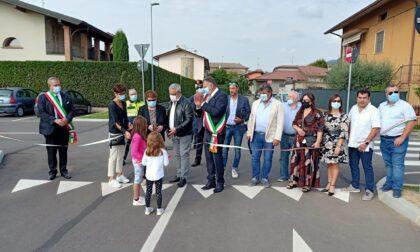 Intitolato a don Bruno Cadei il piazzale fuori dal campo sportivo di Capriolo
