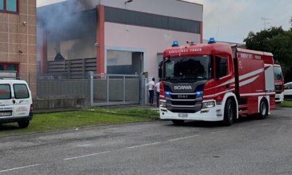 Prende fuoco un macchinario, arrivano i pompieri a Poncarale
