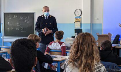 """La Polizia di Stato entra nelle scuole con """"Il Mio Diario"""" per augurare un buon anno scolastico ai più piccoli"""